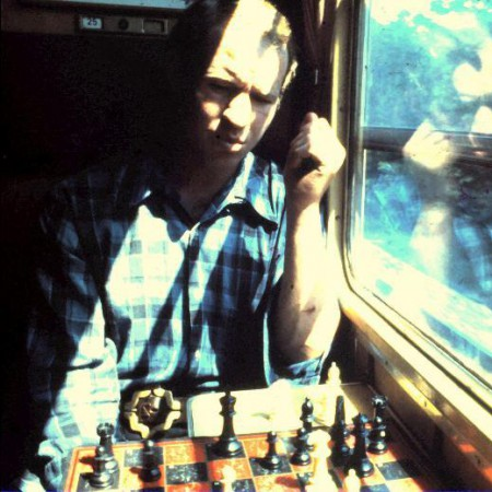 1436831185_Chess_On_Train_To_Italy_resized1973_450x450_acf_cropped